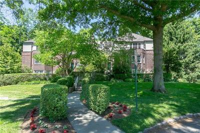 Scarsdale Co-Operative For Sale: 9 Sentry Place #2C