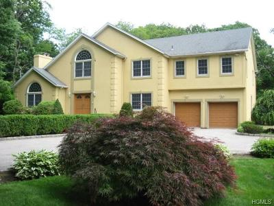 New Rochelle Single Family Home For Sale: 581 Pinebrook Boulevard