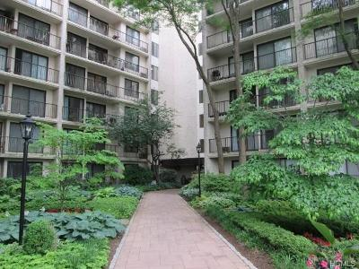 Westchester County Co-Operative For Sale: 150 Overlook Avenue #7-P