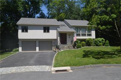 Westchester County Single Family Home For Sale: 190 Briarwood Drive