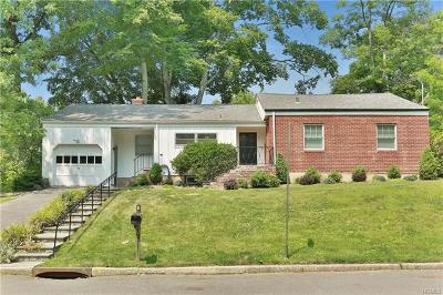 New Rochelle Single Family Home For Sale: 2 Wood Hollow Lane