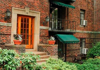 Westchester County Co-Operative For Sale: 20 North Broadway #M160