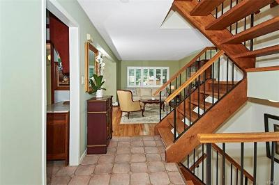 Croton-On-Hudson Single Family Home For Sale: 15 Amber Drive