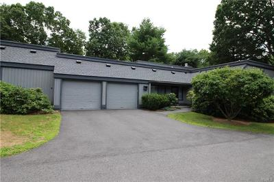 Westchester County Condo/Townhouse For Sale: 255b Heritage Hills #B