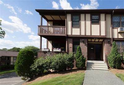 Valley Cottage Condo/Townhouse For Sale: 457 Sierra Vista Lane #457