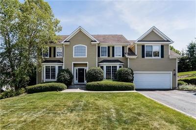Westchester County Single Family Home For Sale: 22 Red Roof Drive