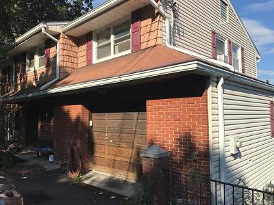 Yonkers Single Family Home For Sale: 233 Underhill Street