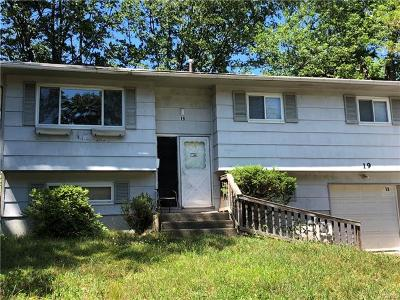 Rockland County Single Family Home For Sale: 19 Merrick Drive