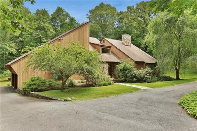 Mount Kisco Single Family Home For Sale: 7 Deer Creek Lane