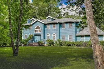 Rockland County Single Family Home For Sale: 4 Windward Lane