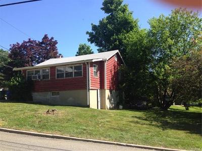 Goshen Single Family Home For Sale: 44 Erie Street