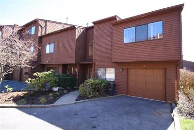 Nanuet Condo/Townhouse For Sale: 78 Timberline Drive #78