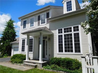 White Plains Single Family Home For Sale: 84 Festival Court