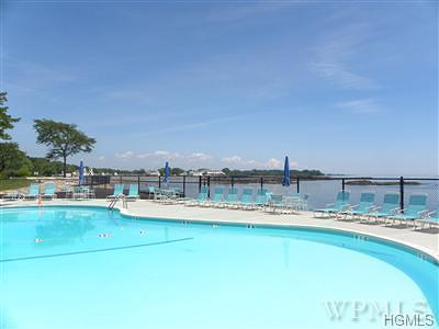 Rye Condo/Townhouse For Sale: 40 Waters Edge