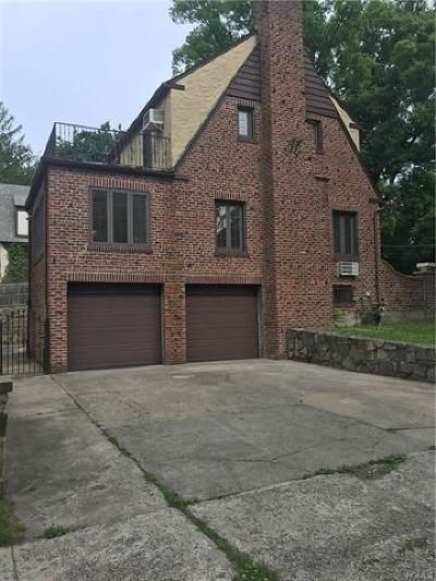 Westchester County Single Family Home For Sale: 1 Hemlock Road