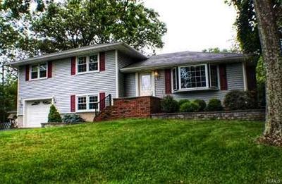 Monroe Single Family Home For Sale: 110 Lake Region Boulevard