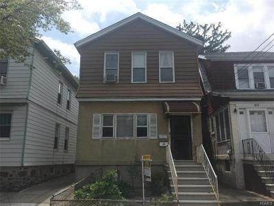 Multi Family 2-4 For Sale: 1625 Yates Avenue