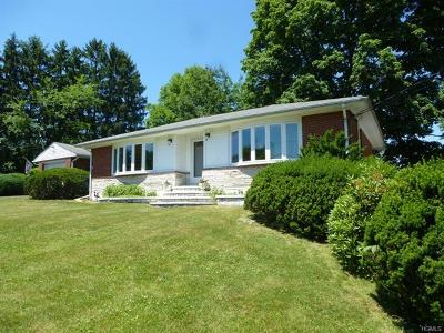 New Windsor Single Family Home For Sale: 254 Parkway Drive