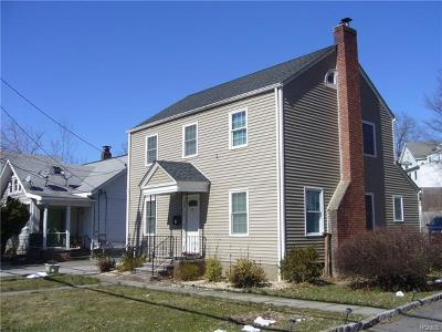 Ossining Single Family Home For Sale: 21 Pleasantville Road