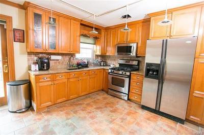 Single Family Home For Sale: 2639 Harding Avenue