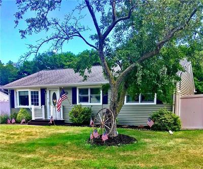Single Family Home For Sale: 11 Dogwood Lane
