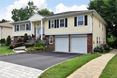 Scarsdale Single Family Home For Sale: 19 Old Farm Road