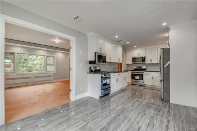 Monroe Single Family Home For Sale: 1 Merriewold Lane South