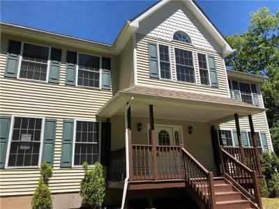 Woodridge Single Family Home For Sale: 21 Winterthur Road
