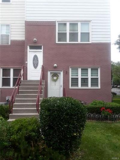 Bronx Condo/Townhouse For Sale: 119 Fleet Court #119