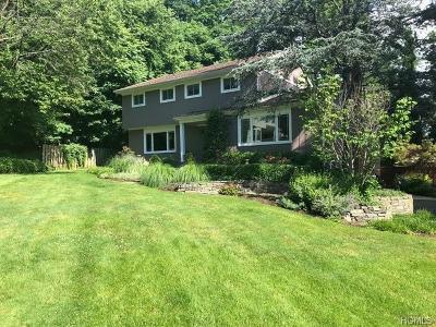 Single Family Home For Sale: 10 Fringe Court