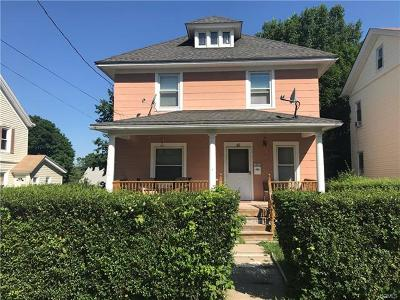 Middletown Single Family Home For Sale: 49 Wallkill Avenue