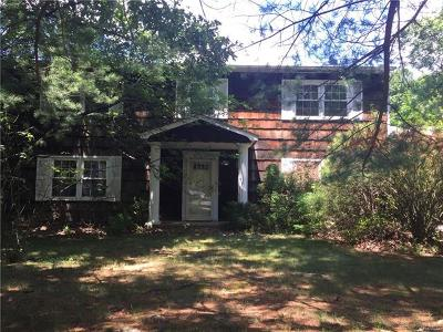Single Family Home For Sale: 7 Newport Drive