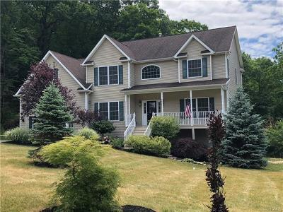 Middletown Single Family Home For Sale: 46 Arbor Way