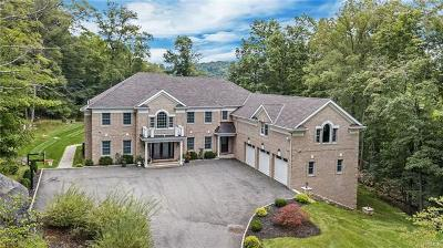 Cortlandt Manor Single Family Home For Sale: 1 Red Oak Trail