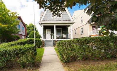 Yonkers Single Family Home For Sale: 209 Roberts Avenue