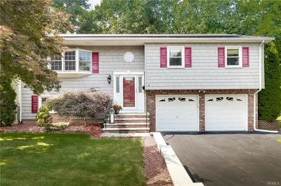 Single Family Home For Sale: 3 Hickory Lane