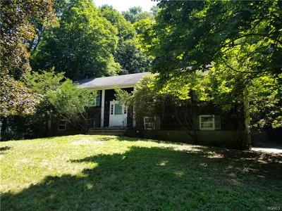 Westchester County Single Family Home For Sale: 19 Whitlaw Close