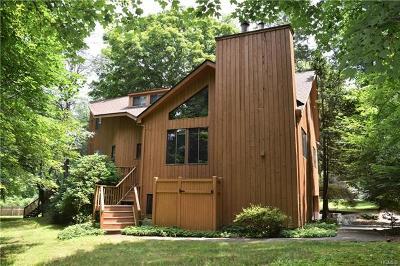 Chappaqua Single Family Home For Sale: 14 Cedar Lane