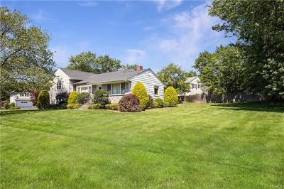 Rye Brook Single Family Home For Sale: 23 Elm Hill Drive