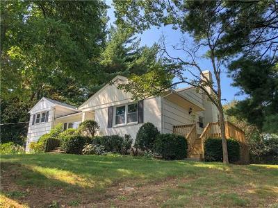 White Plains Single Family Home For Sale: 98 Havilands Lane