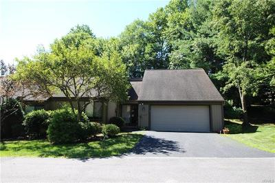 Westchester County Condo/Townhouse For Sale: 377 Heritage Hills #B
