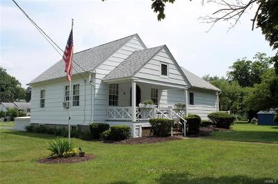 Single Family Home For Sale: 34 Hortonville Main Street