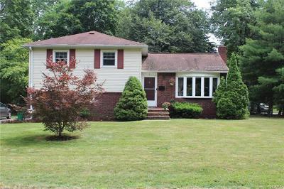 Nanuet Single Family Home For Sale: 1 Spruce Street