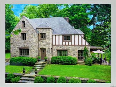 Hartsdale Single Family Home For Sale: 8 Hawthorne Way