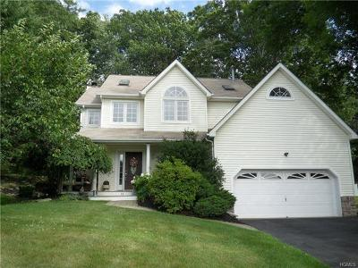 Monroe Single Family Home For Sale: 84 Winchester Drive