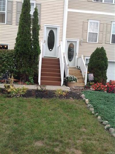 Middletown Single Family Home For Sale: 10 Moriah Lane