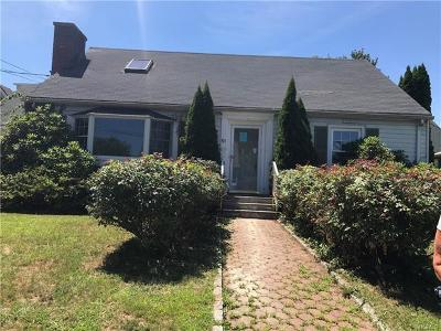 Yonkers Single Family Home For Sale: 51 Thomas Place
