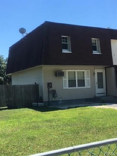 Middletown Single Family Home For Sale: 77 Sheffield Drive