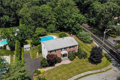 Single Family Home For Sale: 2 Hamden Heights Court