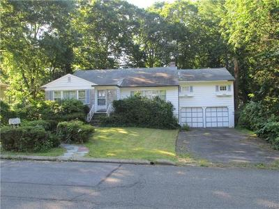 New Rochelle Single Family Home For Sale: 46 Saxon Way